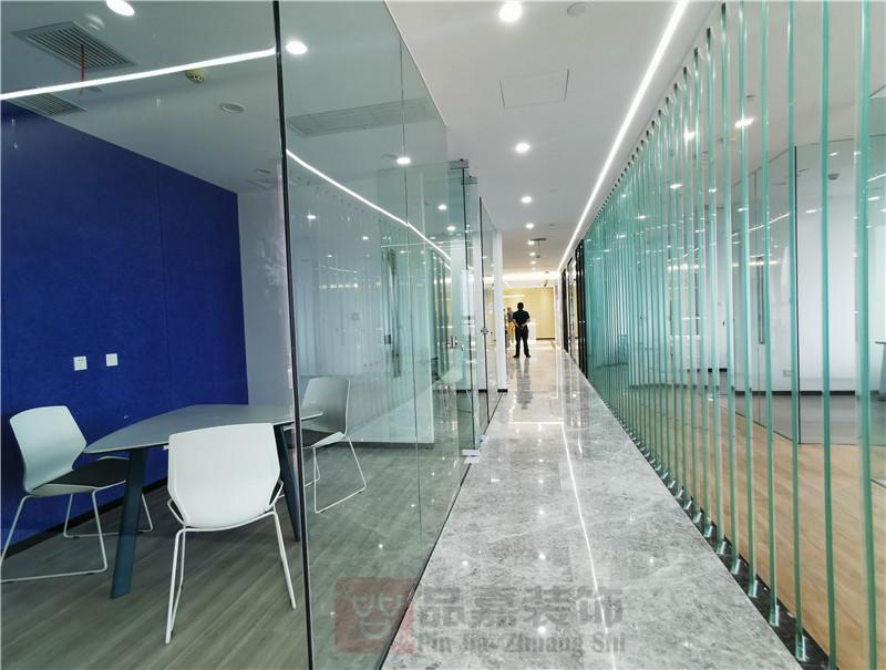 美林律师事务所办公室走道装修实景图